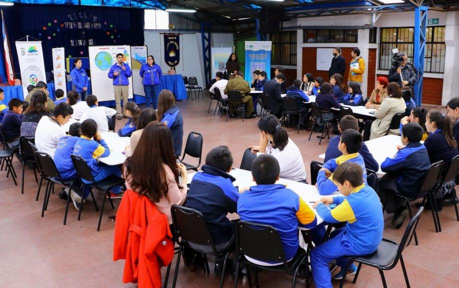 Alcalde y alumnos de colegios en riesgo de tsunami participaron de clase preventiva