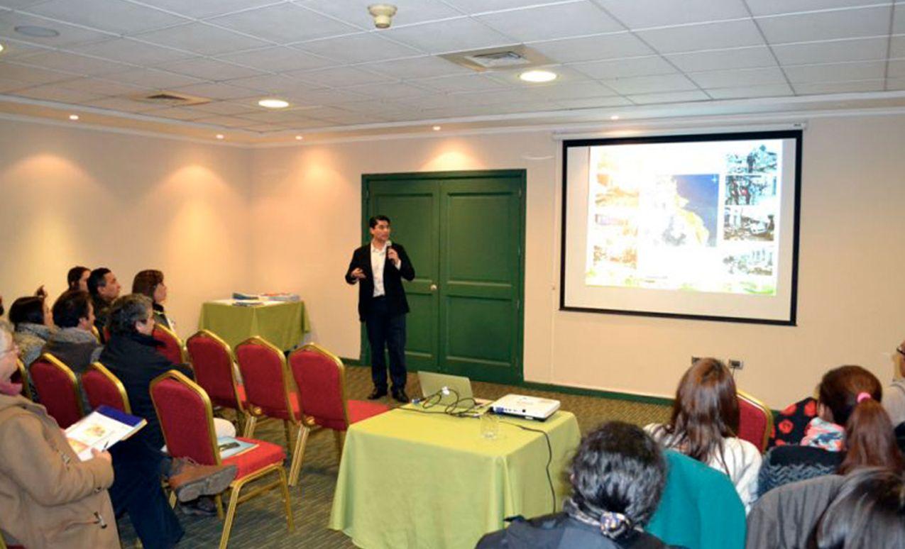 DGIR desarrolla seminario sobre reducción de riesgo a profesionales del MINVU